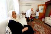 Bağcılar'da Bakıma Muhtaç 300 Kişinin Evinde Bayram Temizliği Yapıldı