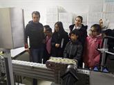 Enderunlu Çocuklar Hijyenik Mendil Fabrikasını Gezdi