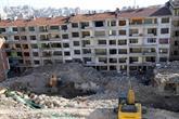 Bağcılar'daki Tehlikeli Binalar Kontrollü Olarak Yıkılıyor