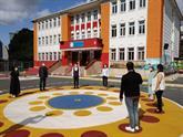 Bağcılar'daki Okullarda Temassız Oyun Alanları Hazır