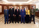 Kazakistanlı Siyasetçi Ve İş Adamları Bağcılar Belediyesi'ni Ziyaret Etti