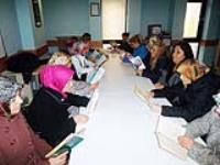 Kadınlar kitap okuyor